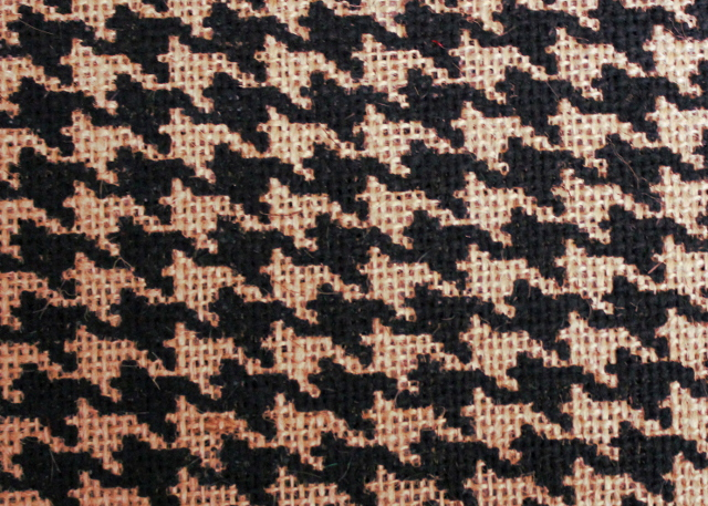 "Black/Natural Houndstooth Burlap Bolt 60"" 20 Yds"